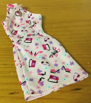 Barbie Sleeveless Dress with Shoes, Sunglasses, & Purse design