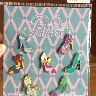 Disney princess shoe pin set.
