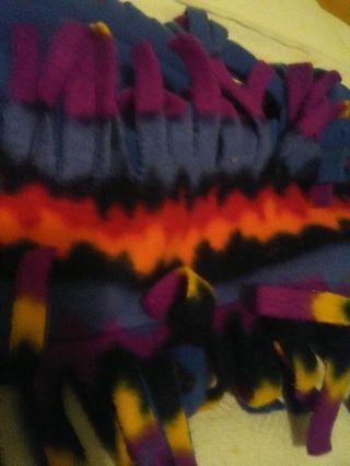 Reversible microfleece scarf
