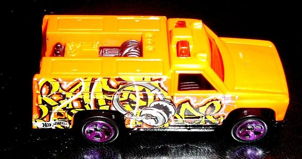 2014 Hot Wheels Workshop Graffiti Rides HW Rapid Responder