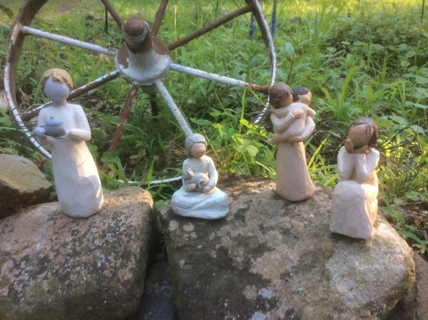 A FOURSOME OF WILLOW TREE ANGELS