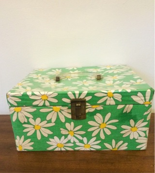 Vintage 1960s Daisy Sewing Box