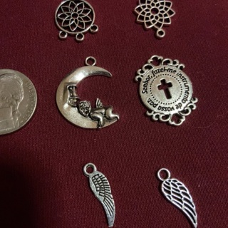 6 Zink Alloy Antique Silver Charms.#28