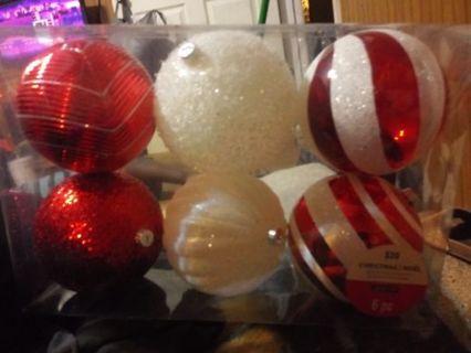 Large Ornament Set !