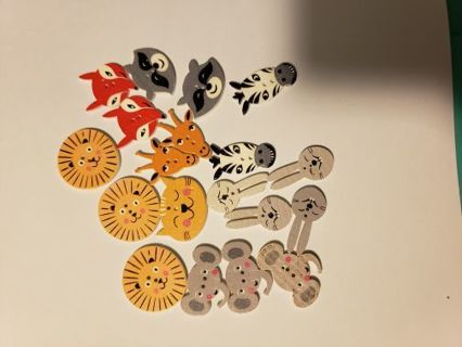 Wooden animal head buttons