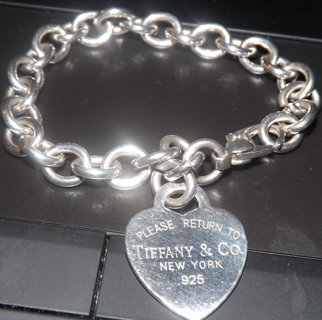 2880e1000d6c RETURN TO TIFFANY   CO NEW YORK 925 STERLING SILVER HEART TAG CHARM BRACELET  GREAT CONDITION
