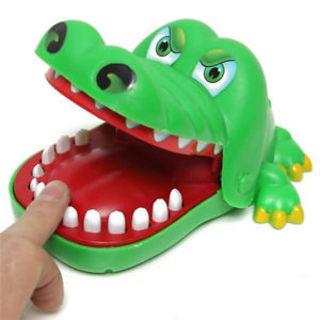 2Pcs Gift For Children Funny Gags Dentist Bite Finger Game Joke Crocodile Toy Green