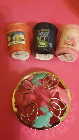 Yankee candles & bonus with bids! Also $1.00 amazon gift cards
