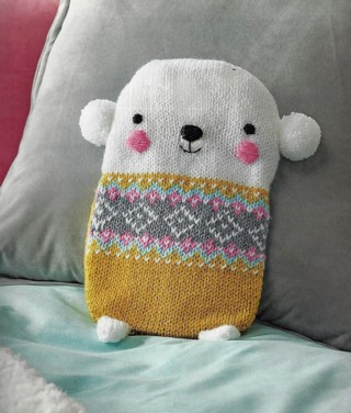 NEW~KNITTED BEAR HOT WATER BOTTLE COVER PATTERN~ADORABLE~FREE SHIP