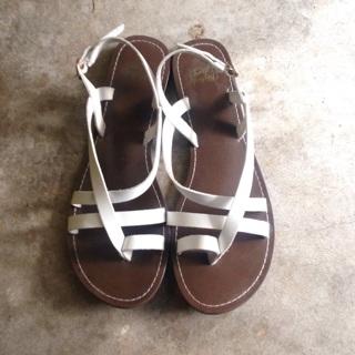 •Ladies Sandals EUC•