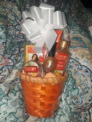 Calgon Hawaiian Ginger Gift Basket