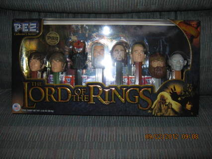 PEZ Collectors Series Lord of The Rings **L@@K & READ**