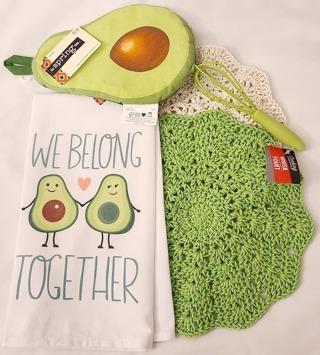 "Crochet 2 - 9"" wash/dish towels+1 Flour Sac Towel1 pair of Tongs 1 Potholder"