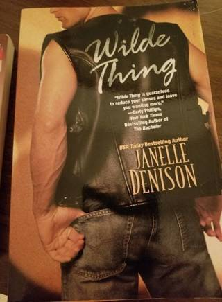 WILDE THING - EUC Paperback - FREE Shpg