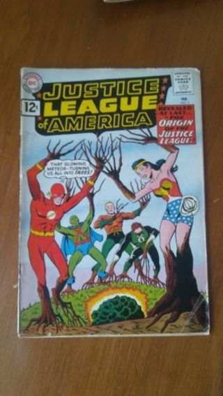 HIGHLY COLLECTIBLE Justice league of America issue 9 and 15... COMICS!!