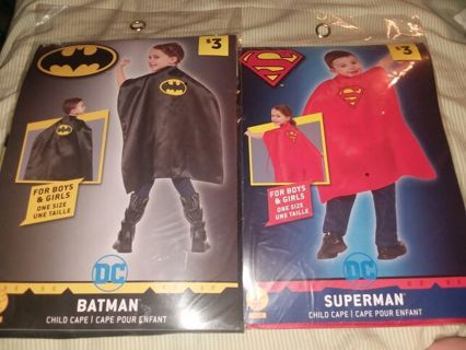 2 boys or girls capes Batman and superman