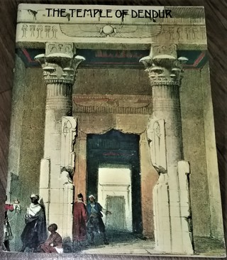 "1978 THE TEMPLE OF DENDUR by Cyril Aldred - 80 pages - 8 1/2"" x 11"" - excellent condition"