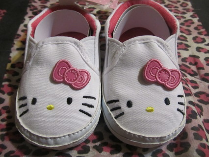 Free: Baby Girl Hello Kitty Soft Sole Shoes - Size 1 3/6 Months ...