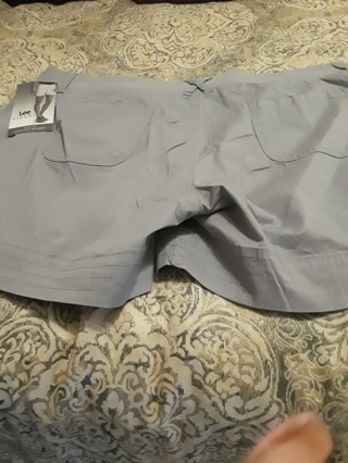 1 Pair Lee Rider shorts NWT size 22 very comfortable LOW GIN