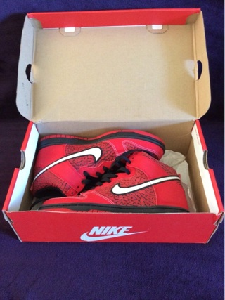 Nike Dunk High University Red Sneakers