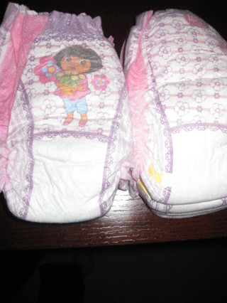 Dora Pullups size 4 (7 of them)