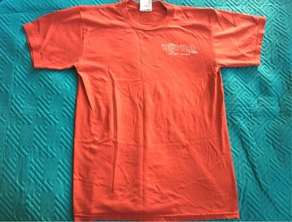 Red Robin Inn Tee Size Small