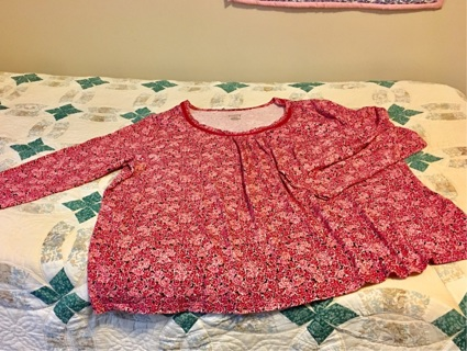 Pre owned Very Nice Condition Pink Rose Top (Plus Size)