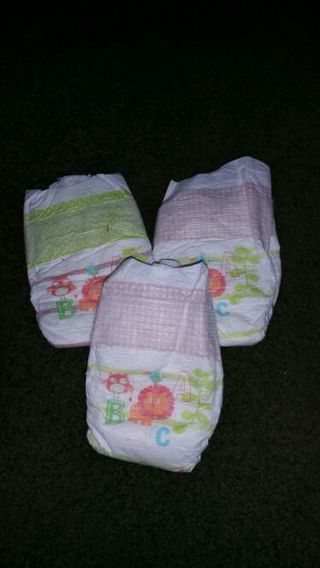 3 newborn baby diapers