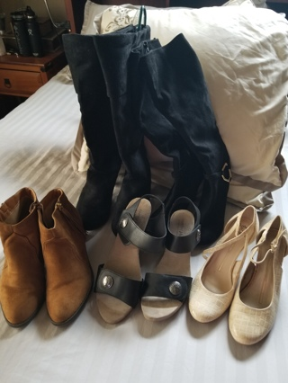 Huge Lot of Women's Size 9/10/11 Shoes/Boots All in Excellent to New Condition