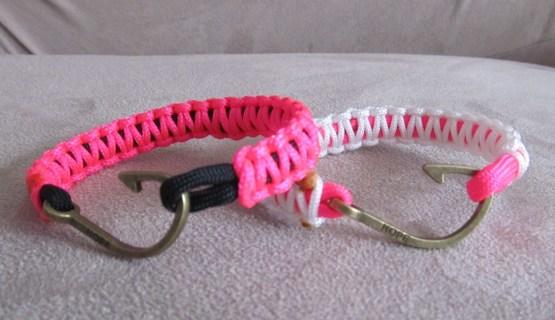 1 HOPE Fishhook Paracord Bracelet
