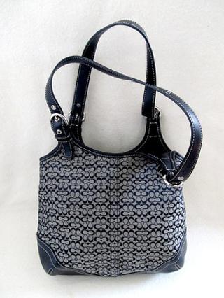 9c88df84c9 Free  AUTHENTIC Coach 7025 Hobo Soho Shoulder Bag - BLACK - Handbags ...
