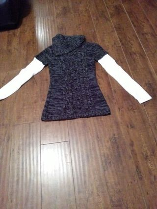 Women's perfect condition sweater size L by Energie