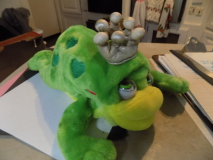 Kissy Frog Prince plush with googly eyes, wears a crown