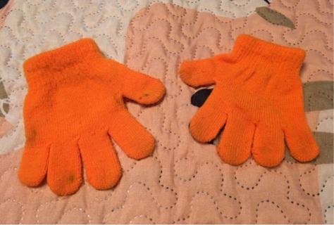 Baby's Orange Gloves Size 0-12 Months