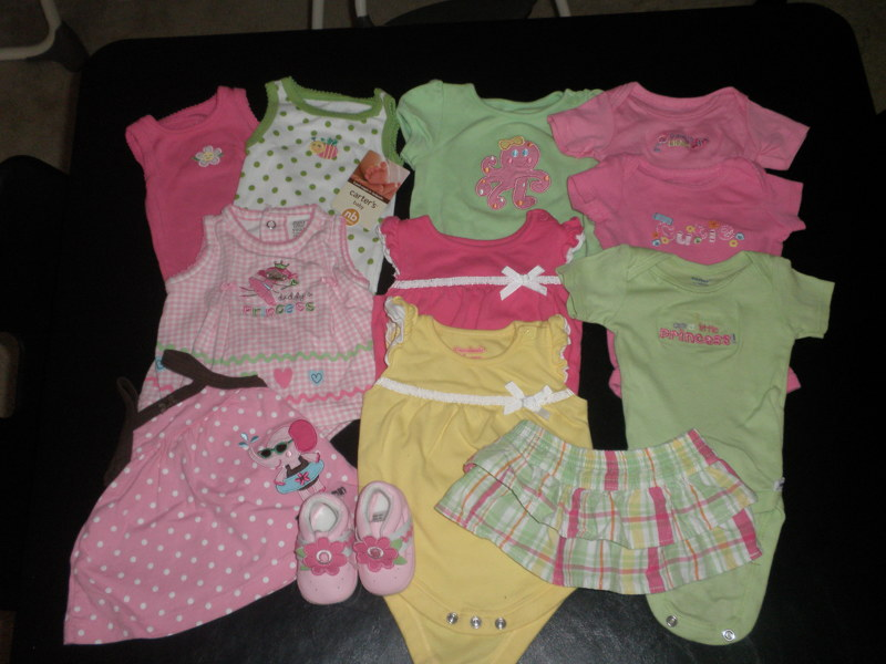 Free Lot Of Baby Girl Clothes Newborn Euc Amp New