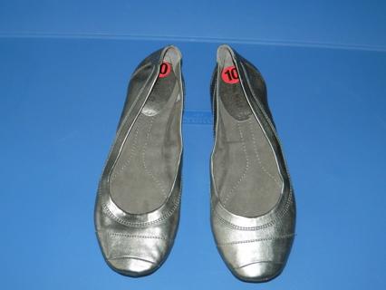 Nine West Size 10 shoes unused