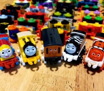 !!!! 50 Thomas and Friends Minis !!!!  ALL NEW!!!(a)