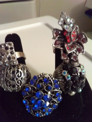 Set Of 5 Costume Jewelry Rings Brand New