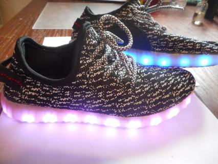 7d6dc65e2 Free  LED SHOES SZ 5 or 6 KIDS LIGHT UP YEEZYS MESH - Shoes - Listia ...