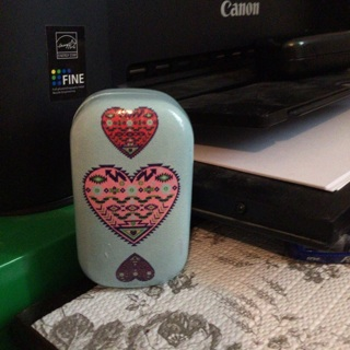 Contact case with beautiful hearts on it