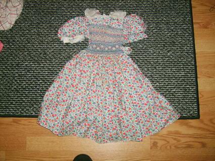 Flower design dress size 3