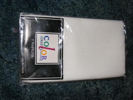 2pkg white napkins color classics