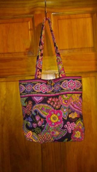 Free  Vera Bradley Tote Handbag Like Brand New - Handbags - Listia ... 28f09ffc44cfc