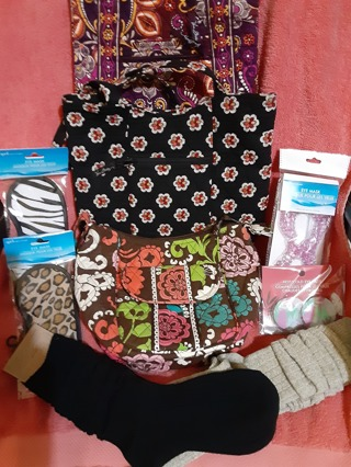 Awesome Vera Bradley Pamper Yourself Growing Auction