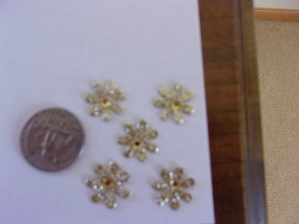 **5 SMALL  GLITTERY PAPER FLOWERS WITH YELLOW RHINESTONES ***