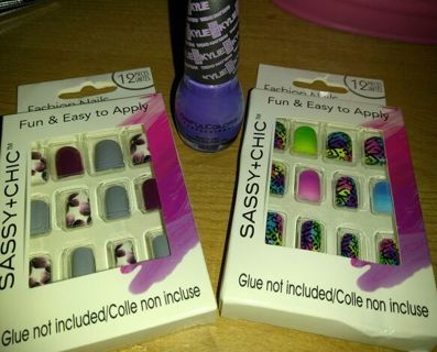 NIB Artificial Nails and Polish
