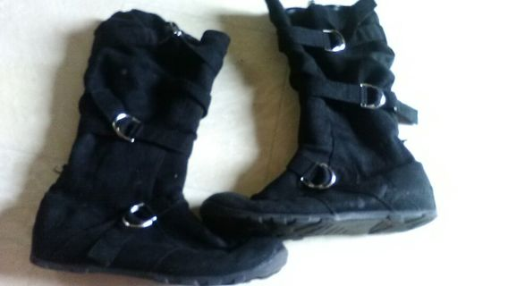 Women's Rounded Toe Winter/Snow Boots - Size 8.5 - No Call Brand!
