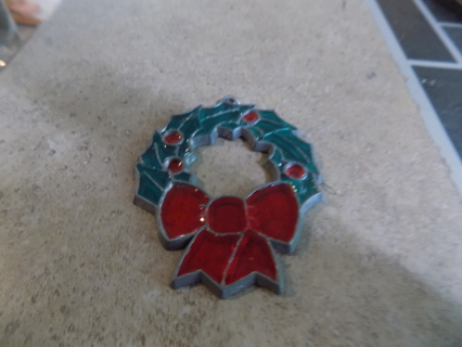 Small stained glass wreath ornament red holly berries & leaves