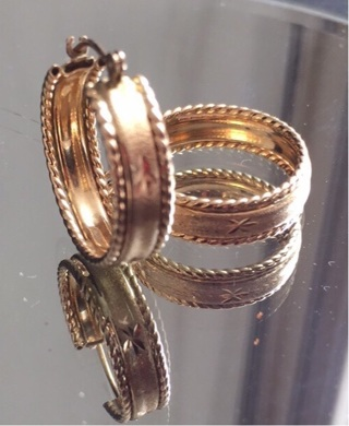 14 K SOLID GOLD HOOPS