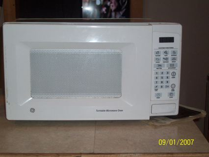 Free Ge Turntable Microwave Oven Used Kitchen Listia